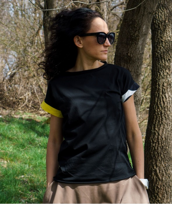 Black Women T-shirt Rockin